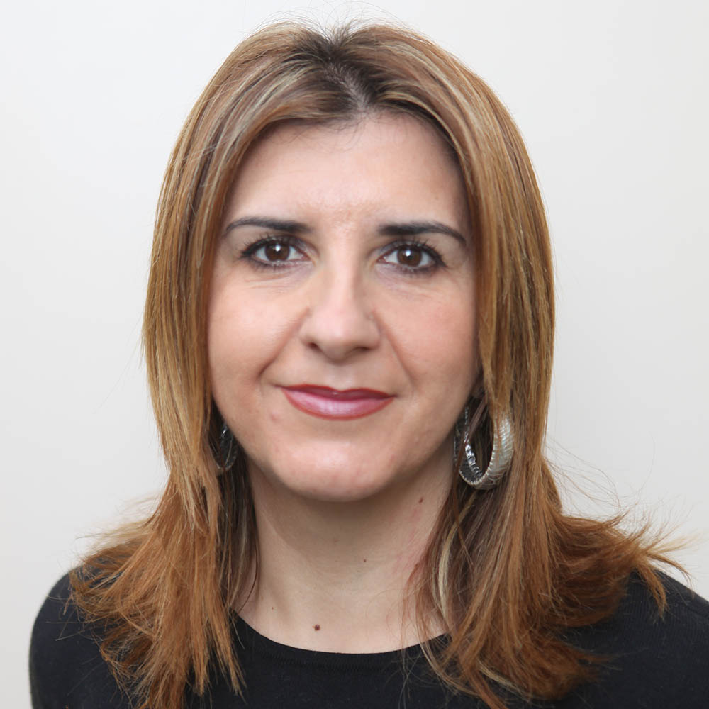 Dª. Carmen Dolores Escobar Egea