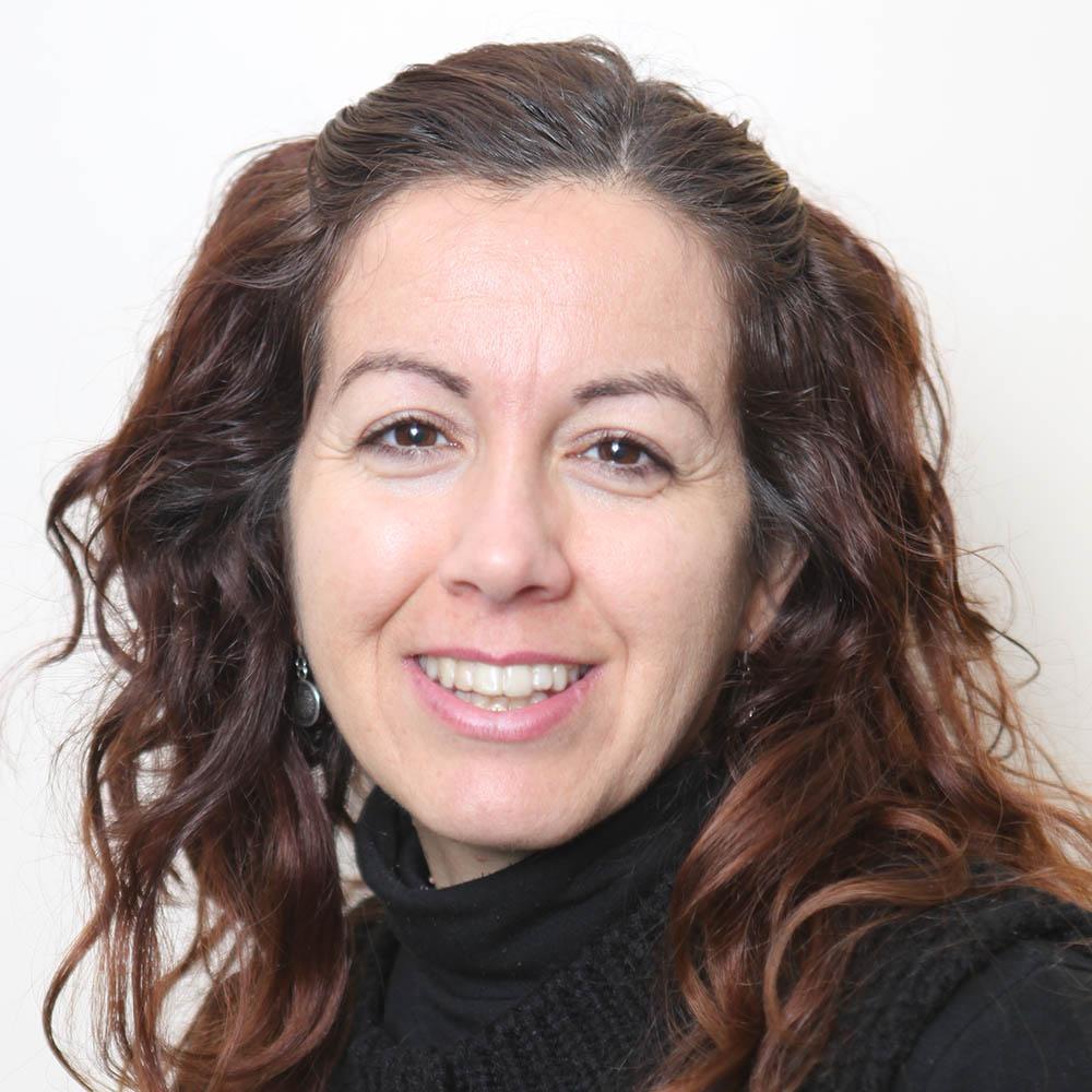 Dª. Cristina Quesada Cabrera